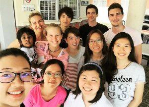 マレーシアのインターンにて他の様々な国から訪れたインターン生と共に-1
