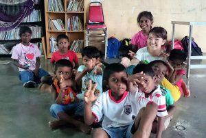 マレーシアの孤児院でのインターンの様子