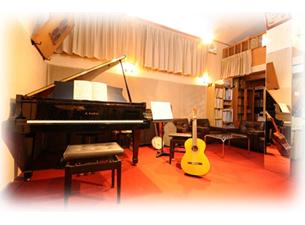 スタジオ ITAGAKI をコミュニケーションのコアとしての活動事業